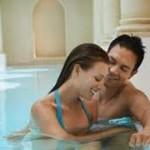 Tips Bercinta di Air Agar Lebih Memuaskan