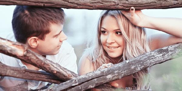 Ciri Kamu Jatuh Cinta Pandangan Pertama