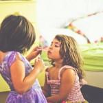 Batasan Orang Tua Saat Anaknya sudah Belajar Berdandan