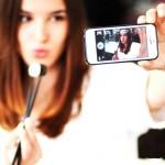 Dampak Negatif Jika Keseringan Mengumbar Foto Selfie