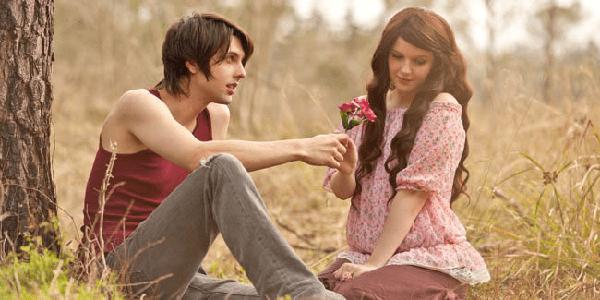 5 Hal Yang Membuat Kamu Jatuh Cinta