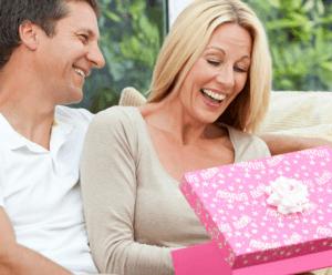 Yang Dilakukan Ketika Hendak Memberi Surprise untuk Pasangan