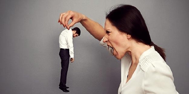 Tipe Wanita Yang Wajib Kamu Hindari